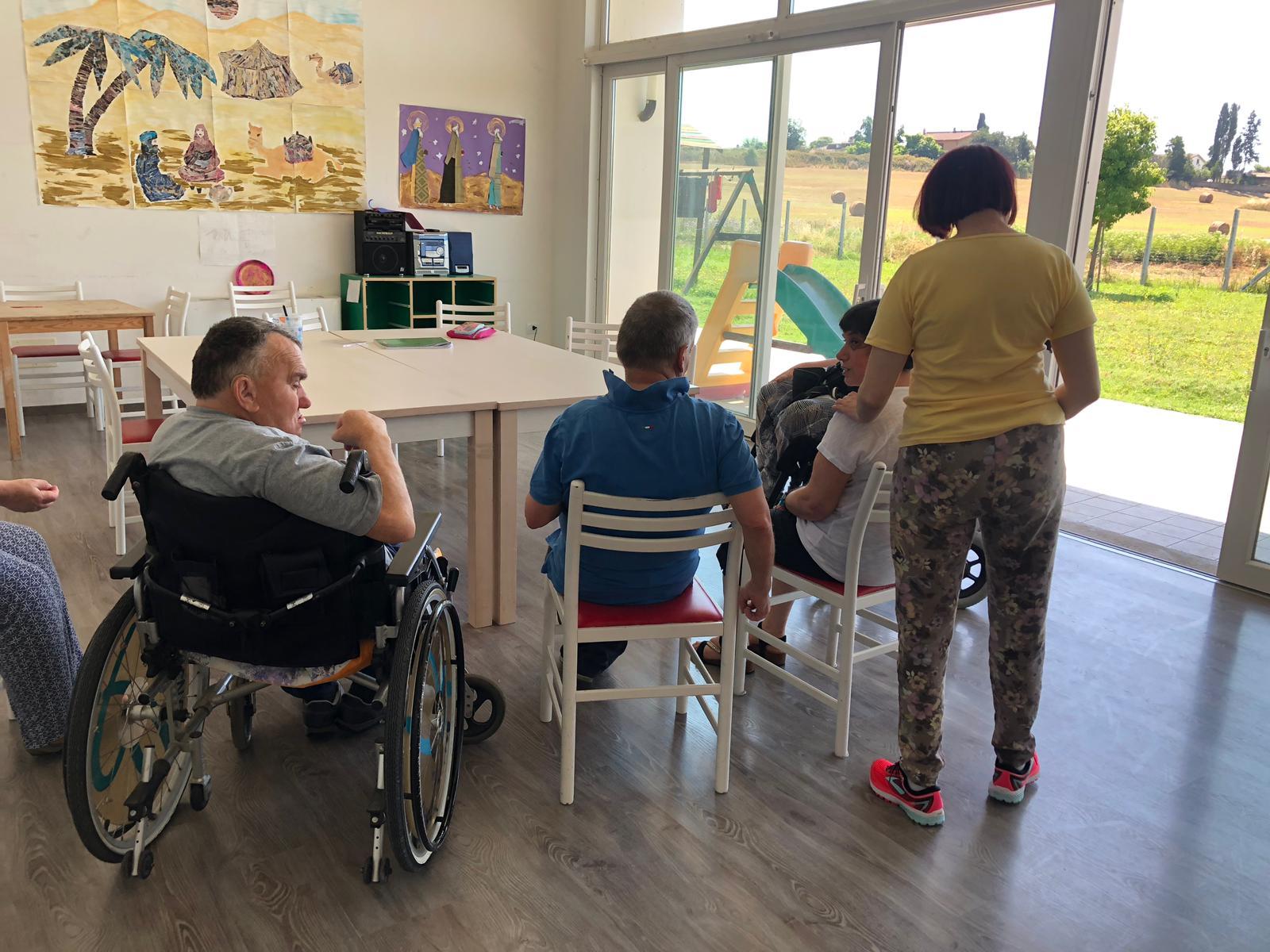 Anguillara – L'ultimatum del Comune getta nella disperazione le famiglie con disabili gravi. Taglio drastico al servizio