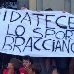 Bracciano: su campo sportivo amministrazione alza un muro
